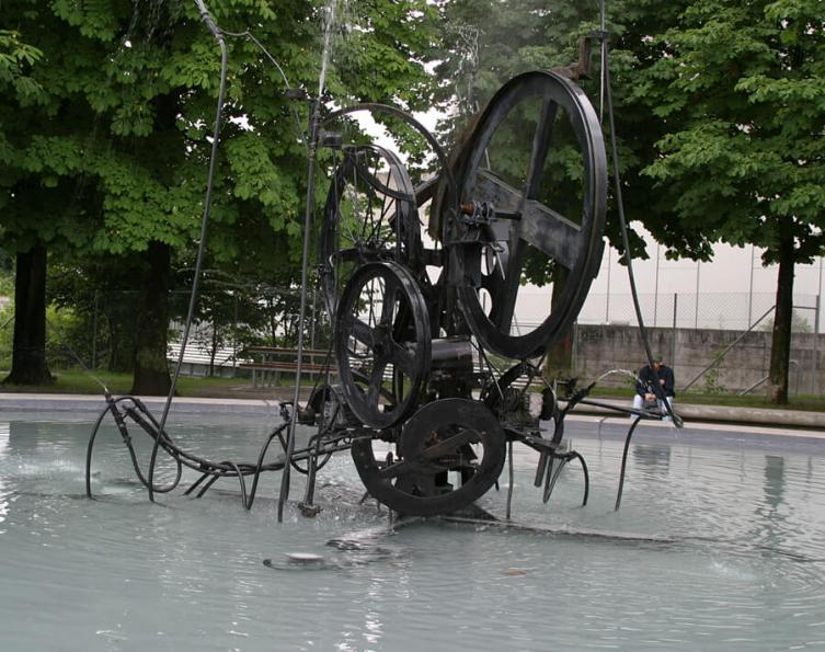 Fontaine Jean Tinguely (© J.Gauch)